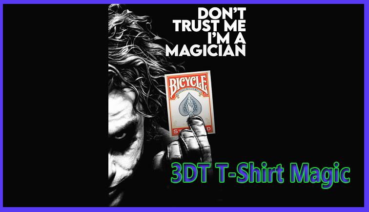 voici le t-shirt avant et après avoir retiré le jeu de carte du tour 3DT - joker T-shirt magic Jota.