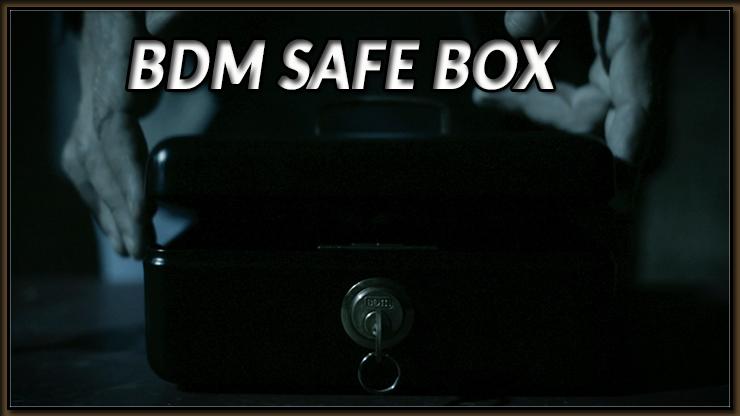le magicien présente le coffre du Tour BDM Safe Box De Bazar De Magia.
