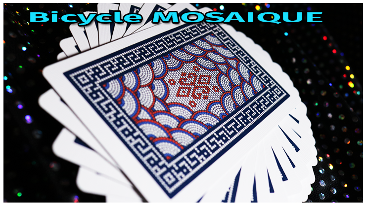 éventail en rosasse avec le dos des cartes visible du jeu Bicycle Mosaïque Playing Card