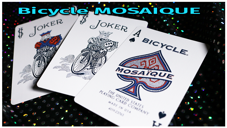Les deux jokers un en couleur un en noir et blanc du jeu Bicycle Mosaique Playing Card