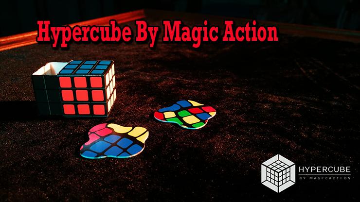 il y a le cube en carton le mini cube et les cubes plat de Hypercube de Magic Action