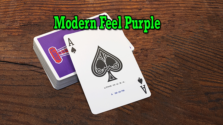 gros plan sur l'as de pique du jeu Modern Feel Jerry's Nugget Purple
