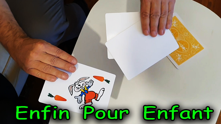 1 lapin et 3 cartes blanche du tour Rabbit On The Rainbow - Juan Pablo Magic.