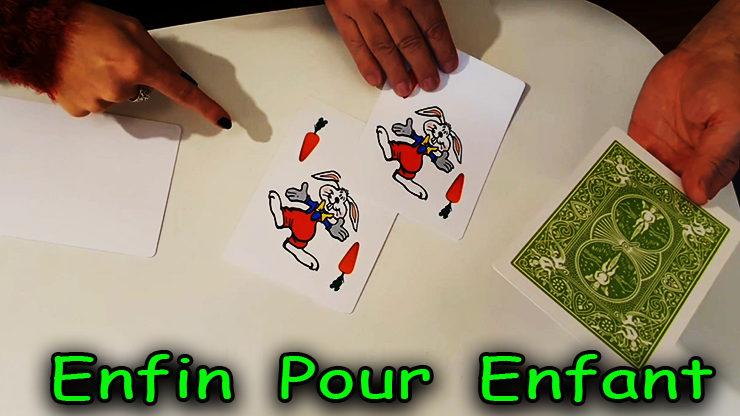 mainteant 3 lapins et une carte blanche du tour Rabbit On The Rainbow - Juan Pablo Magic.