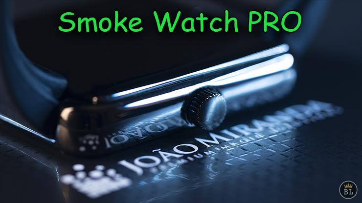 voici en gros plan le bouton de la montre de Smoke Watch PRO de João Miranda .
