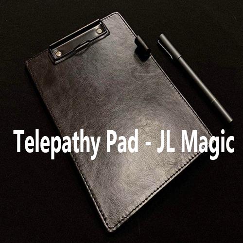 voici le pad en cuir avec le stylo du tour Telepathy Pad de JL Magic