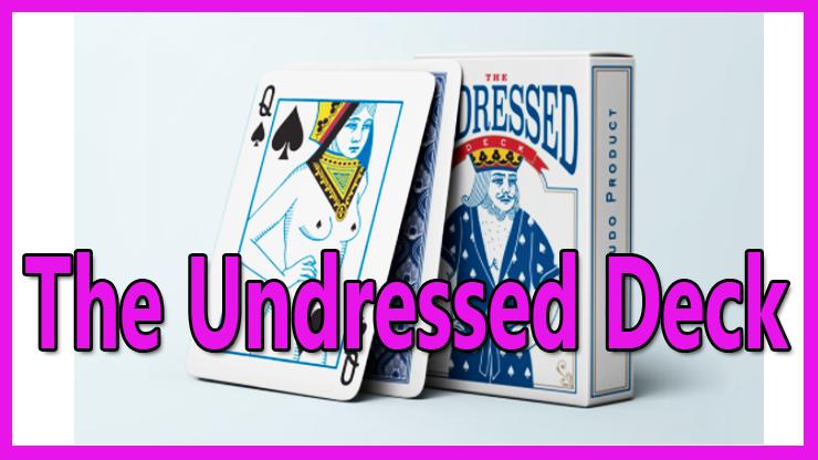 gros plan sur le jeu de carte debout avec la dame de pique du Jeu de carte The Undressed Deck De Edi Rudo