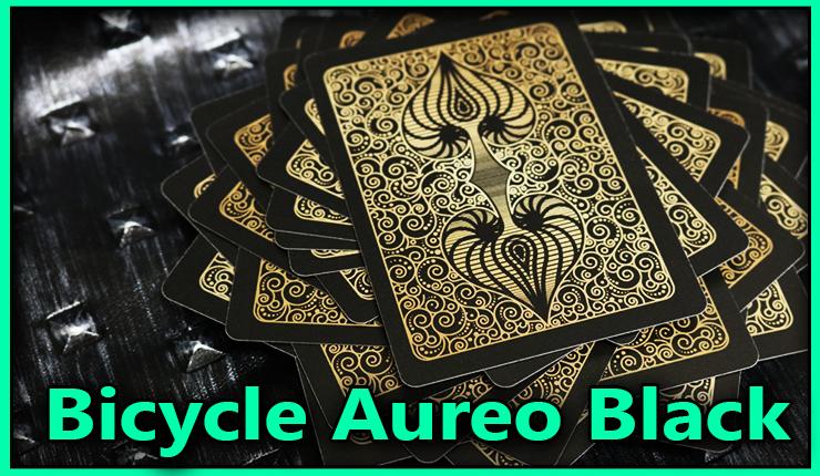 tout le jeu sur la table dos visible du jeu bicycle-aureo-black
