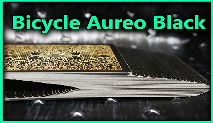 le jeu est etalé enescalier sur la table c'est le jeu bicycle-aureo-black