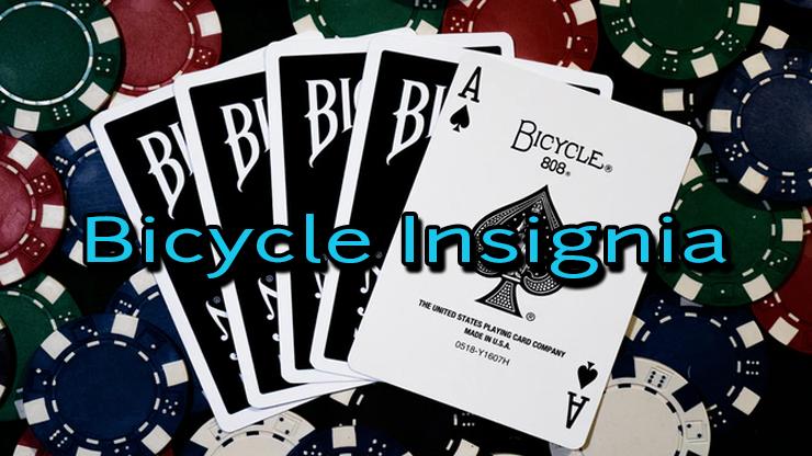 jeu de carte bicycle insignia back noir sur table de poker