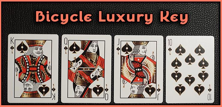 voici la quinte flush a pique, le roi la dame le cvalet et le dix du jeu de carte bicycle luxury keys