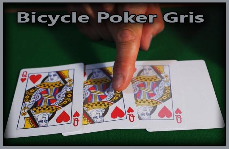4 cartes qui montre une dame de coeur qui s'efface jusqu'a devenir blanc du Jeu De Carte Bicycle Poker Gris