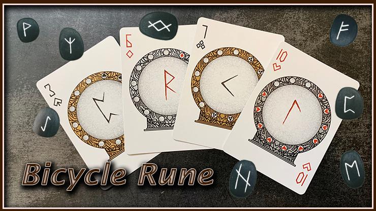 le 3 de pique, le 6 de carreau, le 7 de trèfle et le 10 de cœur sont en gros plan du jeu bicycle rune