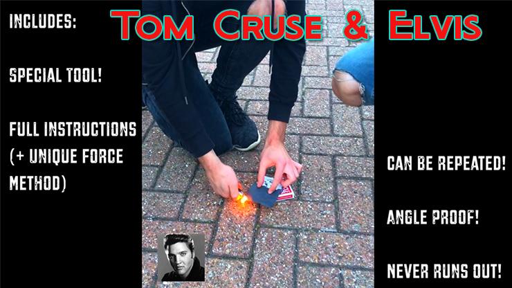 le magicien brule la carte par terre du Celebrity Scorch - Tom Cruse & Elvis