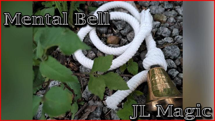 gros plan sur la cloche et la corde posé des des pierres De Tour Mental Bell De Jl Magic la cloche magique