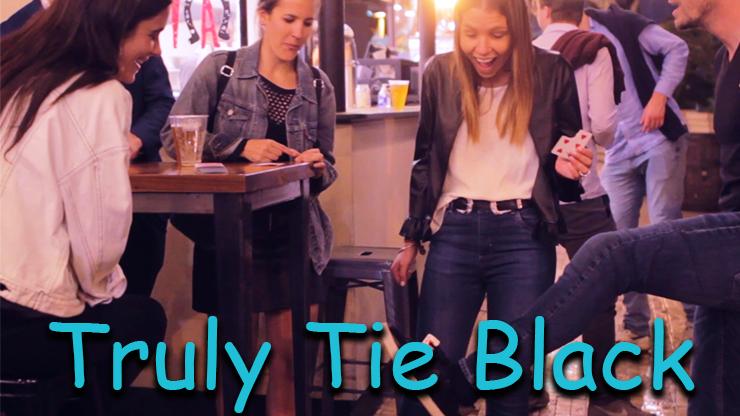 reaction du public dans un bar du tour Truly Tied black Jota