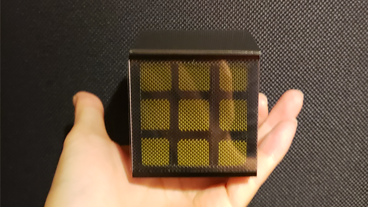 un deux trois le cube est reconstitué c'est le wow Cube de Masuda